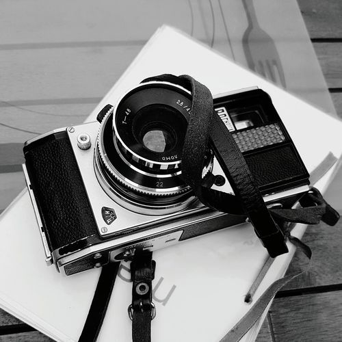 Technology High Angle View Indoors  Old-fashioned Hobbies Memories No People Galaxys7picture Nostalgia Black&white Blackandwhite Photography Black And White Collection  Cameraporn восход камера Analog Analoglove Galaxys7picture