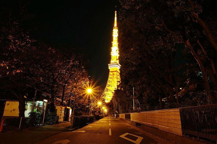 follow the yellow brick road. Tokyo City Road Night Lights Nightphotography Tokyo Tower Traveling Explore Japan Japan Photography Streetphotography Street