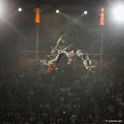 Looking forward to see some sick #fmx action from @levisherwood any time soon. I shoot this #doublegrabflip at the #redbull #xfighters event in #lasventas last year. There is quite a few riders, who pull that #sick #trick nowadays, but i got lucky enough to snap mr. #sherwood in a very extended moment. If it comes to #execution & #style, you can definitly take some lessons from the #ktm rider. Follow me here in instagram for more #freestyle #motocross action popping up now and then with a good mix of other #motorsport images as well. 👊🏻