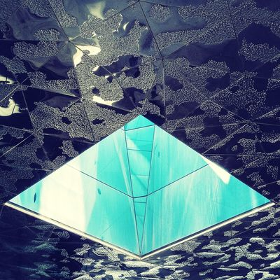 Empty heart | Corazón vacío Architecture Abstractarchitecture Awesome Architecture Architectural Detail