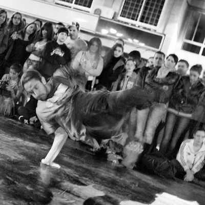 IgersCanarias IgersTenerife Ig_canarias Ig_Tenerife latituddevida islascanarias CanaryIsland canariasgrafias movilgrafias canarios5estrellas loves_spain loves_tenerife shootermagazine shootermag _allshots canariasviva reedit blackandwhite blancoynegro bw Portrait StreetPhotogrphy breakdance