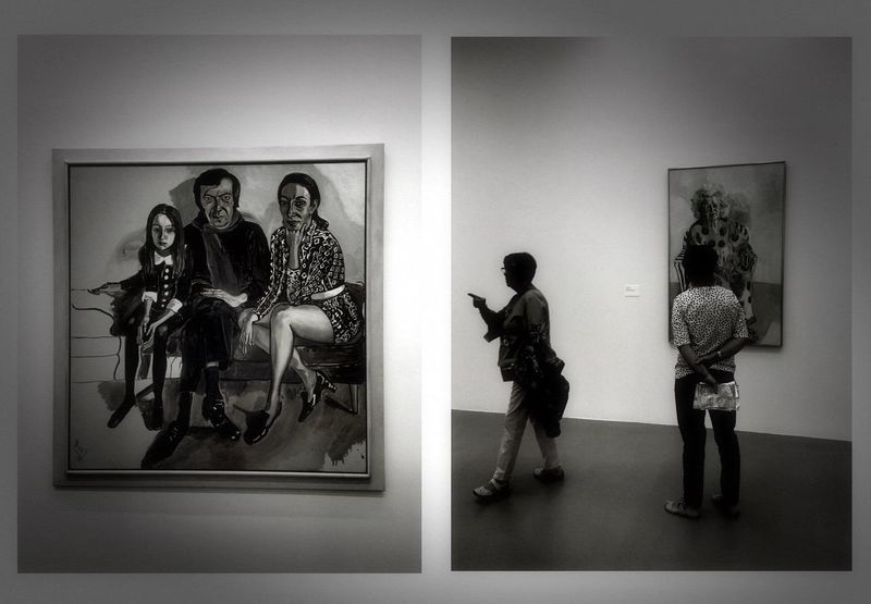 Dyptique Blackandwhite Photography Bnw_collection Art Museum Museum Of Modern Art Museum Exhibition Picture Frame Indoors  Human Representation Standing