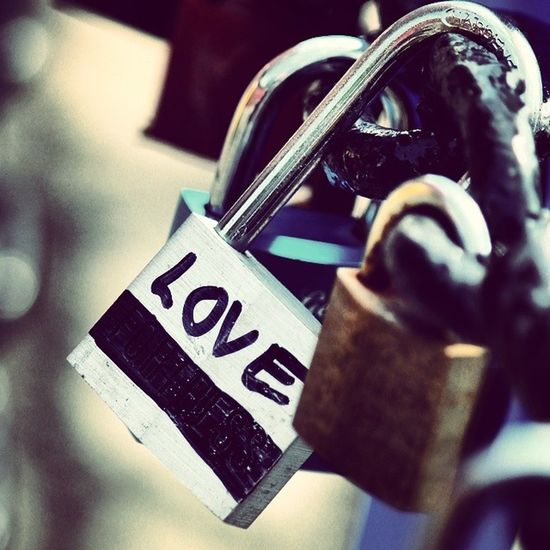 I love that people have started putting locks on the chain fences down at the albert dock there where lots of them!! :D Love Lovelocks Liverpool AlbertDocks