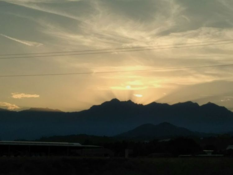 Tramonto sui monti biellesi Mountain Sunset Landscape Nature Scenics Cloud - Sky No People Sun Outdoors Silhouette Beauty In Nature Summer Ethereal Summer 2017 🏊🌞 Vista Bordo Strada
