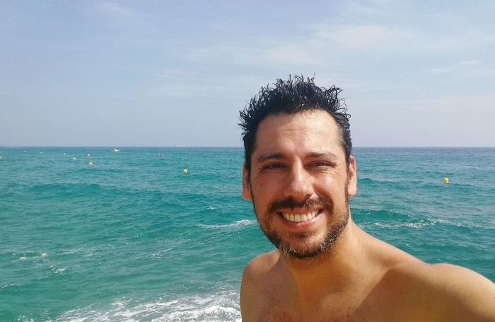 Me. EyeEm Selects Water Portrait Sea Smiling Cheerful Beach Happiness Looking At Camera Headshot Men Beach Holiday Seascape Scenics