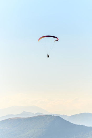 Paragliding flight in the air over the mountains. drôme, france.