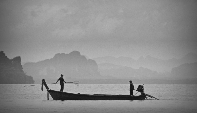 Fishing Boat Fishing Thailand Fisherman Water Thailandtravel Travel Photography Travel Destinations Nikon Black And White Black & White Sea Working Sea And Sky Postales Shillouette Thailand_allshots Amazing Thailand Black And White Friday