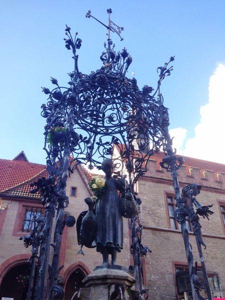 Gänseliesel Statue Symbol Goettingen Fountain Fresh Flowers CityWalk Beautiful Girl