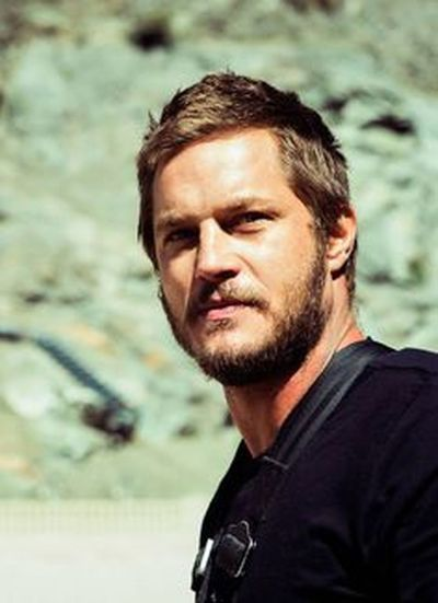 If do u like to read in Spanish, black novel with romance, drama and comedy touches. Download #blueisland in #Amazon today is the last day free of payment. Travis Fimmel and Matt Bomer are inspired in the characters Sean Parker and Bryan Anderson respectively. Hope u like it 😃 https://www.amazon.es/dp/B01ICH9L6Q/ref=cm_sw_r_fa_dp_fJIHxbRCE8CJT Character Close-up Handsome Kingragnar Portrait Ragnarlothbrok SeanParker Travisfimmel Vikings