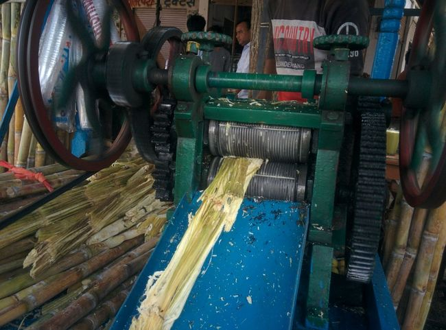 Sugar Cane Sugar Cane Juice Sugar Cane Juice Machine Industry Machinery Factory Indoors  Textile Business Manufacturing Equipment