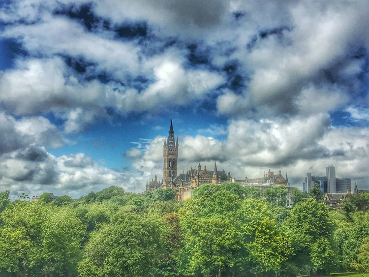 Architecture Cloud - Sky Sky Built Structure Building Exterior Green Color Growth No People Day Outdoors Nature Tree Plant Low Angle View Beauty In Nature City Beutiful Day Clouds And Sky University GlasgowUniversity Eyeem Scotland  Scotland Eye Em Scotland GLASGOW CITY Kelvingrove Park