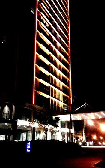Malaysiatour Malaysia Sunway Pyramid Verycool Night Lights Onthestreet Streetphotography Urban Palmville