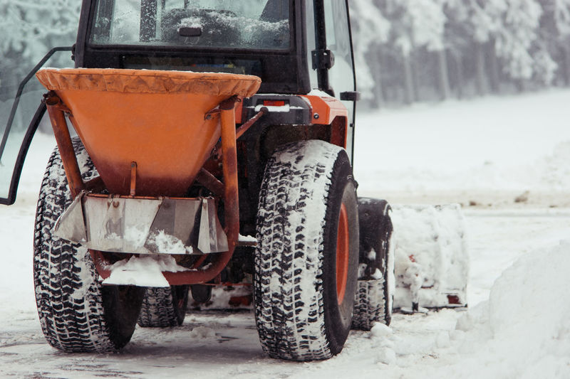 Clear Snow Cold Temperature Construction Vehicle In Action Land Vehicle Land Vehicles Mode Of Transport No People Outdoors Road Schneepflug Snow Snow Covered Snow Plough Snow Plow Snowplough Street Streufahrzeug Tire Tractor Transportation Wheel Winter Winter Services Working Out