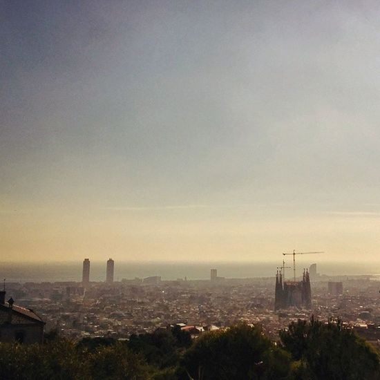 The view from Parcdelguinardo was breathtaking, totally worth the hike. @sevynitti @la_ido @_alexarango Latergram Barcelona Sagradafamilia