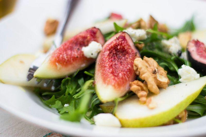 Rocket, fig, pear, walnut & goat cheese salad🍐🌱👌🏻 Salad Foodporn Foodphotography Healthy Food Healthy Nutrition Food Health The Foodie - 2015 EyeEm Awards