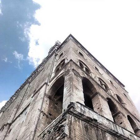 Skyhigh Gubbio Medioevo Cielo palazzo dei consoli sky middleage medieval ig_umbria igersumbria ig_italia vivo_italia Italia Umbria