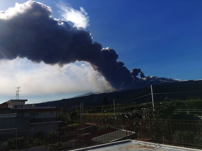 24th of December 2018, Mount Etna Etna Sicily Mount Etna Volcano Eruption EyeEm Nature Lover EyeEmNewHere EyeEm Best Shots Italy Building Exterior Sky Built Structure Architecture Cloud - Sky Nature Tree No People House