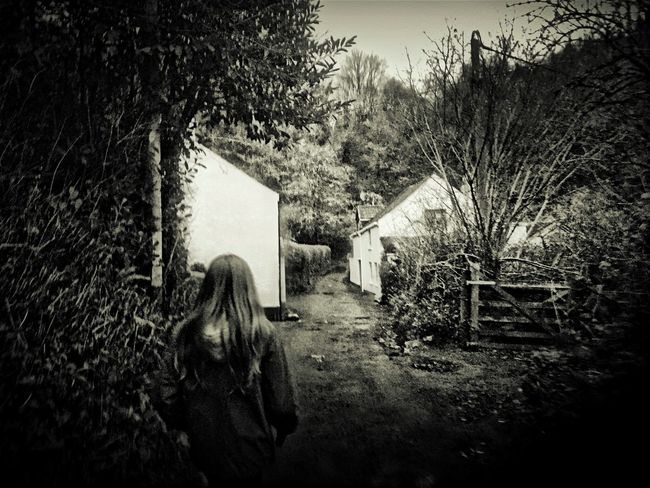 Wandering Fortheloveofblackandwhite Blackandwhite IPhoneography Tadaa Community Black And White Photography IPhone Photography Black & White Darkness And Light Hdr_Collection