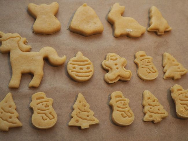 Cookie Food Food And Drink Baked Sweet Food Freshness Indoors  Large Group Of Objects Still Life No People Representation High Angle View Temptation Close-up Shape Indulgence Homemade Western Script Text Letter Gingerbread Cookie Order Snack