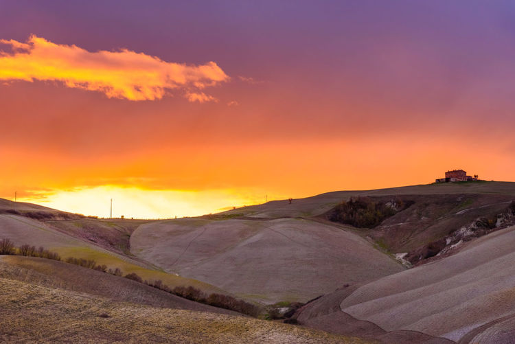 Last days of autumn Crete Senesi Torre A Castello Tuscany Tuscany Countryside Arid Climate Beauty In Nature Cloud - Sky Day Landscape Nature No People Orange Color Outdoors Road Salt - Mineral Sand Dune Scenics Siena Sky Sunset Tranquil Scene Tranquility