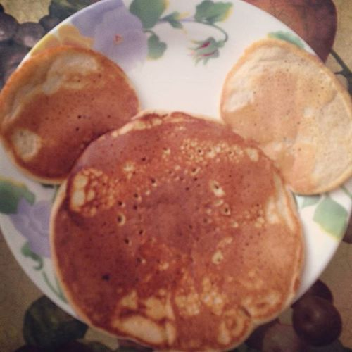 My wife @pamuhhraa made Mickey Mouse pancek for my son😀😍🐀 Pancake Pancakeart Mickeymouse Disney Breakfast Cooking Breakfastofchamps Foodart Mom Jonathan  Jonathanvillanuevagarrett Family Meal Mealtime