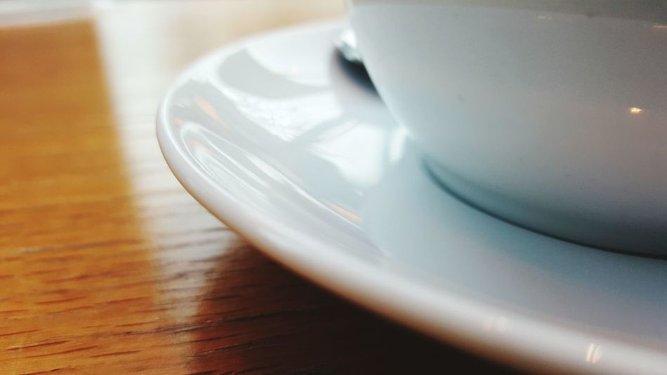 Table Close-up Indoors  Food And Drink Cup No People Day Detail Detailphotography Focus On Foreground Card Design Home Design White Color Coffee Time Coffee Coffee Break In The Cafe In Coffee Room.  Waiting Chill Out Time For Yourself Brown Color Reflection