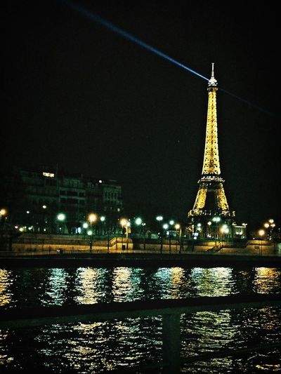 Paris Tour Eiffel France Around The World By Lufthansa