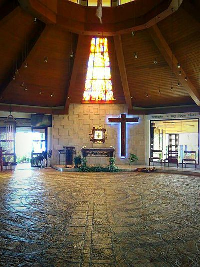 Chapel On The Hill Wheninbatangas Church Architecture Floor Patterns Ambiance Indoors  Window Ambience Niceplace Beauty In Nature