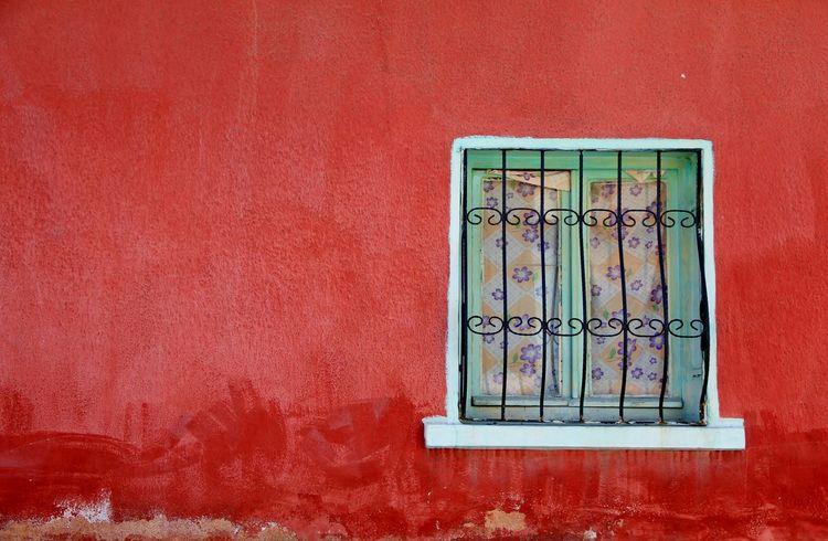 Ontheroad Cityscapes Streetphotography DoorsAndWindowsProject City View  Windows Turkishfollowers Redandgreen Doorsandwindows Door_series