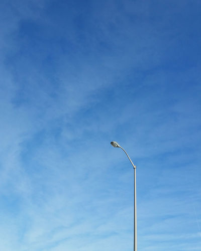 Lamppost ©Josh Humble VSCO Minimalist Minimal Mindtheminimal Minimalmood Lookup Ruleofthirds Lamppost EyeEm Best Shots EyeEm Gallery Eyem Collection Minimalism Minimalobsession Minimalism_masters Lookupclub Lines And Shapes Bluesky Lampporn Streetlight Blue Clear Sky Sky