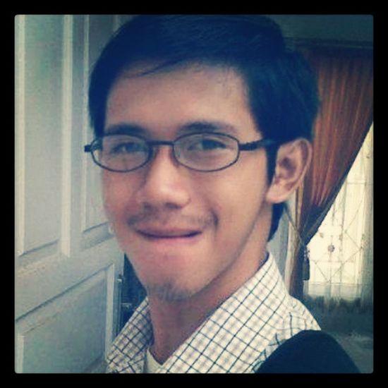 Tampang Tailor... tampang, not tampan... hahaha Tampan Tailor Eyeglass Serang Banten