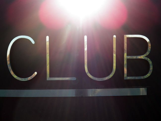 Club Typography Typo Text Chrome Text Chromed Communication Sunlights Red Halo HALOS Hello World Close-up Club Source Of Light Typo Letters Letter C Letter L Letter U Letter B Texte Chromé @Ced_u26CC_BY_ND