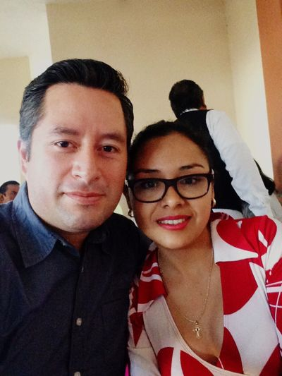 Esposos! Looking At Camera Togetherness Young Adult Enjoying Life Eyeglasses  Real People Taking Photos Puebla