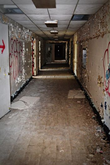 Architecture Corridor Deterioration Diminishing Perspective Old Run-down Tunnel