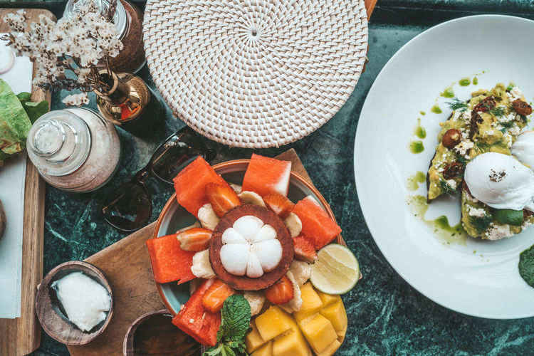 Food And Drink Food Table High Angle View Freshness Healthy Eating Directly Above Wellbeing Still Life No People Indoors  Plate Vegetable Bowl Fruit Kitchen Utensil Choice Close-up Eating Utensil Variation
