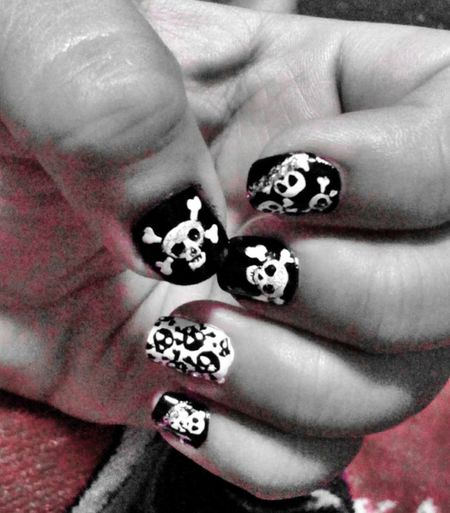 Skull Nail Art Nailart  Skulls♥ Black & White