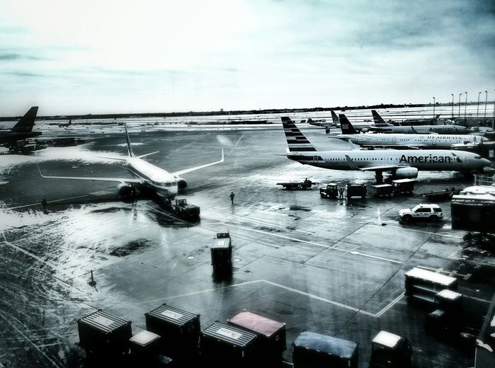 Chicago in March! I love to fly and love American Airlines Airport Travel PhotographyCatching A Flight Travel Flight Aviation Aviationgeek Aviationlovers