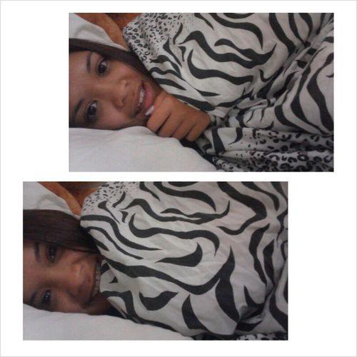 another bed selfie Hehe Zebraprint Yeow Goodnightlovelies mwah xoxo