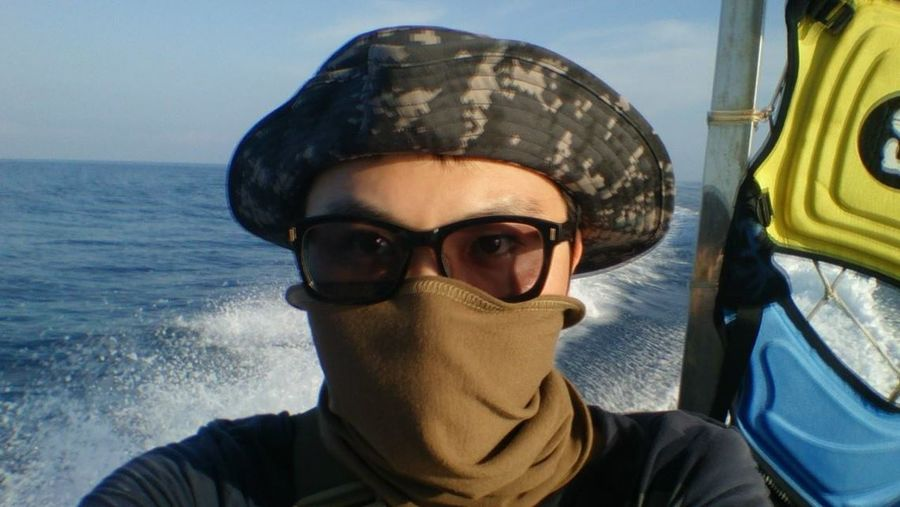 澎湖海上-Penghu,on the sea Blue Cap Casual Clothing Close-up Day Headshot Leisure Activity Lifestyles Mid Adult Men Nature Outdoors Portrait Sky Sunglasses Vacations Water
