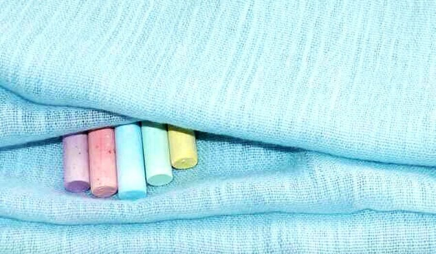 Pastel Power Chalk Chalks Blanket Drapedfabric Blue Colored Chalks Colourful Pastel Colors Pastel Shades Pastel Shades Minimalism No Mess Minimalistic Pastel Colours Chalkpastel Neat & Tidy Mobile Photography