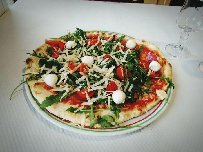 Pizza Good Foodphotography Italian Food Italia Bonheur Pizzalover Loveitaly