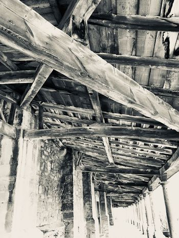 Madera Wood - Material Architecture Built Structure Roof Beam Low Angle View Roof No People Day Underneath Outdoors Old-fashioned Building Exterior Nature