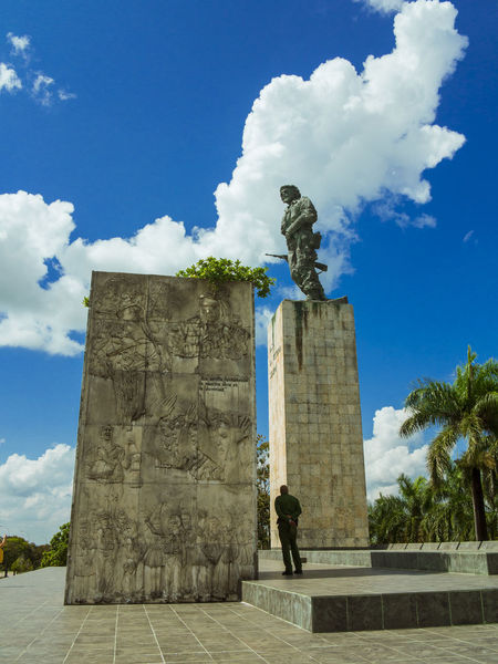 santa clara, cuba, mausoleum of che guevara Barbudos Cuba Soldier Architecture Bronze Statue Che Guevara Ernesto Che Guevara History Mausoleum Museum Outdoors Remedios Santa Clara Santa Clara Cuba Sculpture Statue Villa Clara