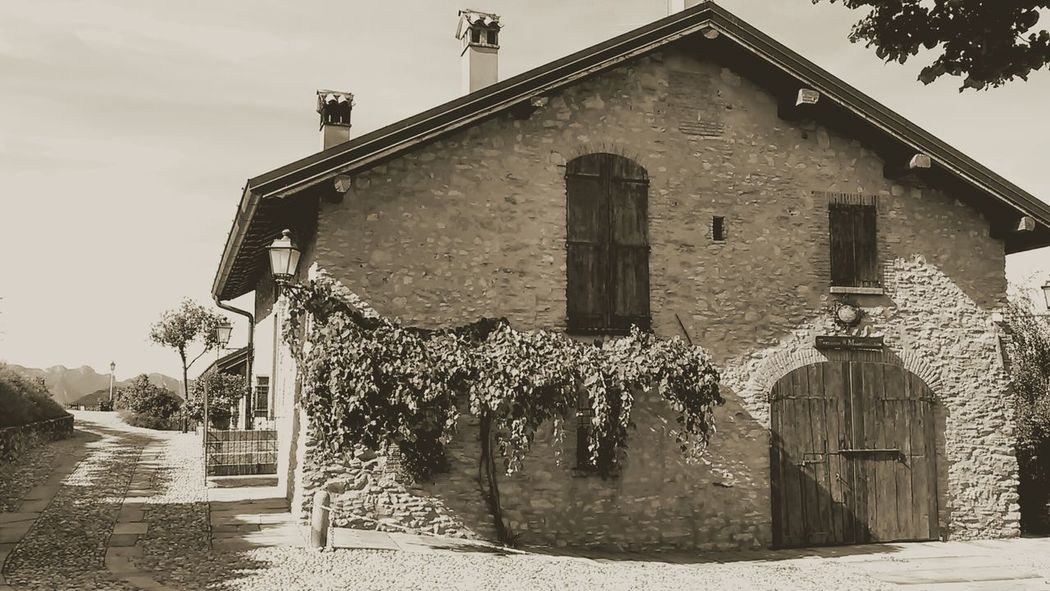 Montevecchia Blackandwhite Photography Eyemmoment Home Is Where The Art Is Hello World Farmhouse Vintage Photo Lombardy Lombardia Brianza Italy Italia Hello World Brianza_photo Relaxing Blackandwhite Eyemblackandwhite Hi! Eyemphotos Relaxing Photo Eyem Best Shots - Black + White