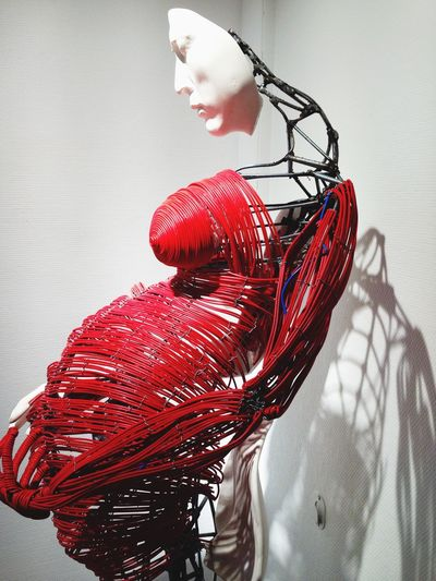 Art ArtWork Sculpture Body Red Inside Face Circle Beauxarts Like It