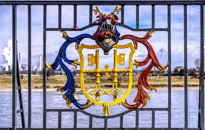 Geländer Hdrphotography KrefeldUerdingen Railing Rhein Rhine Stadtwappen Streetphotography Town Coat Of Arms
