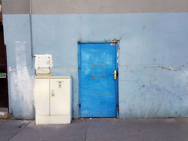 Door Blue No People Outdoors Dual Camera HuaweiP9 Leica Mobilephotography Huawei Nofilter Urban City Day