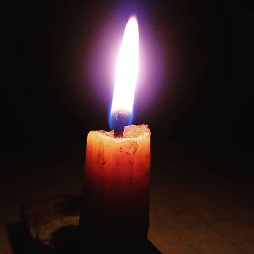 Real light is only seen in utter darkness. Powercut BoredAF Candlelight Darkness StoryOfChennaitees Philosophicalthoughts Sleepdeprived