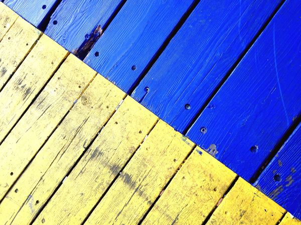 Blue And Yellow Blue Yellow Complementary Colors Couleurs Complémentaires Geometry Geometric Art Geometric Abstraction