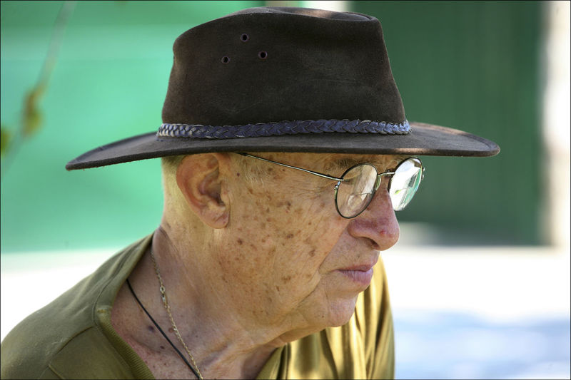 A portrait of an old man Hat Man Old Man Eyeglasses  Old Man Portrait One Person Outdoors People People Photography Portrait Portrait Photography Real People Senior Adult